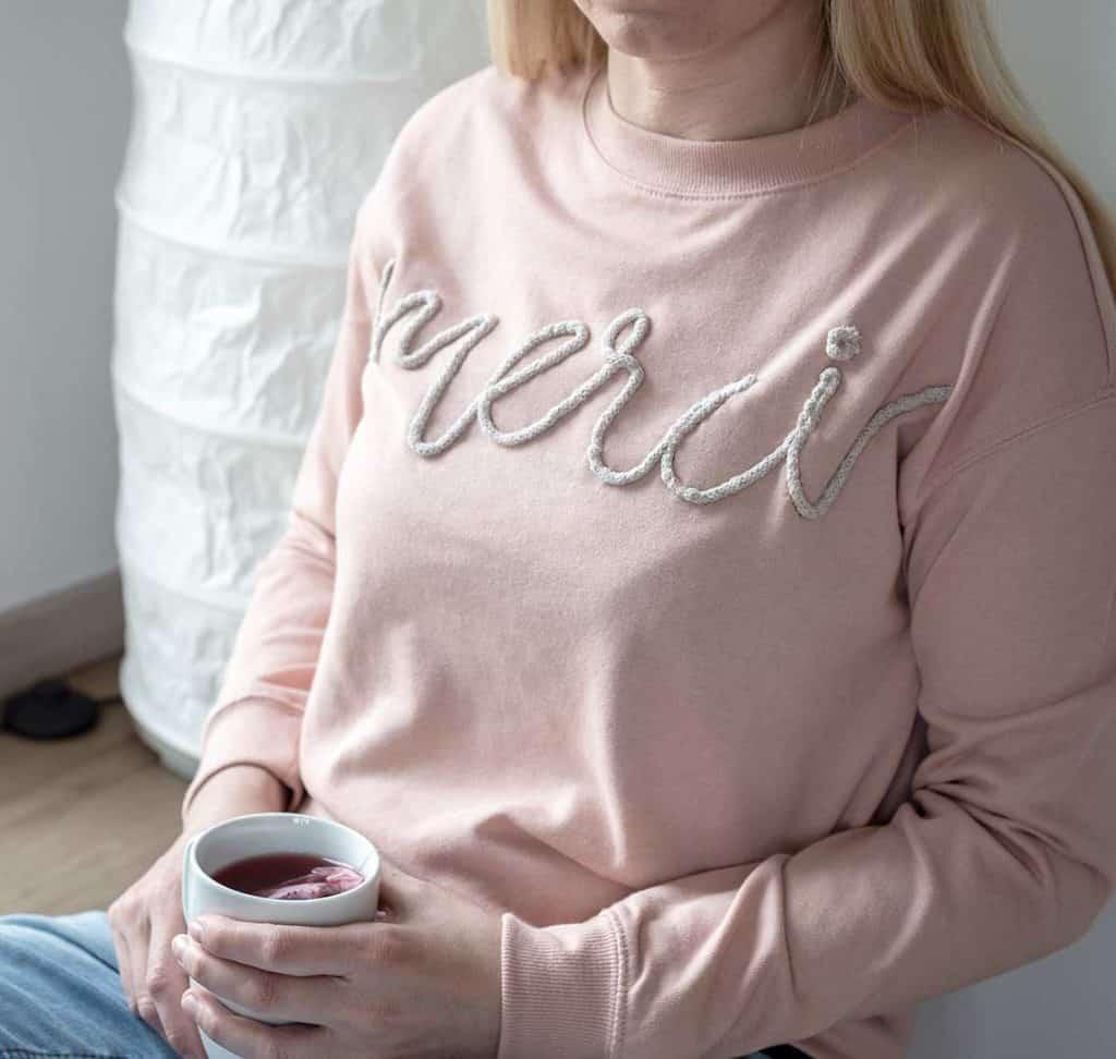 Persönlicher Gruß zum Muttertag auf einem Shirt