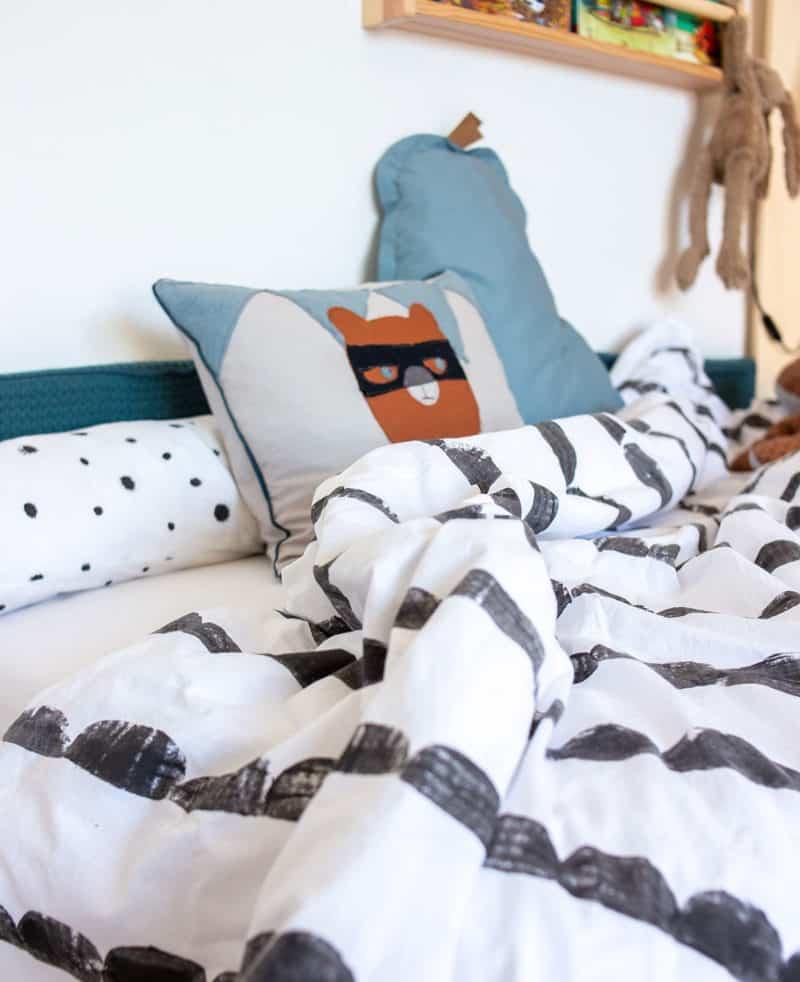 """Stoffdruck mit Textilfarbe - DIY """"Half Moon"""" Bettwäsche im Kinderzimmer"""