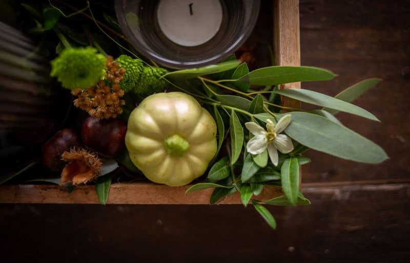 Tischgestekc im Herbst für das Erntedank Fest
