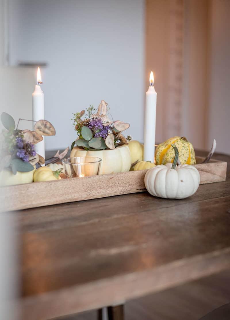 Blickfang Kürbisse - eine Tischdeko im Herbst