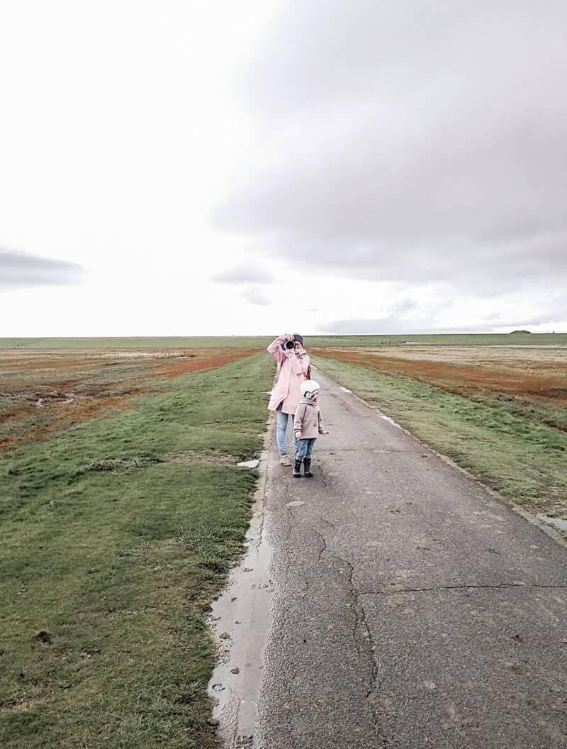Auf dem Weg zum Leuchtturm in Westerhever