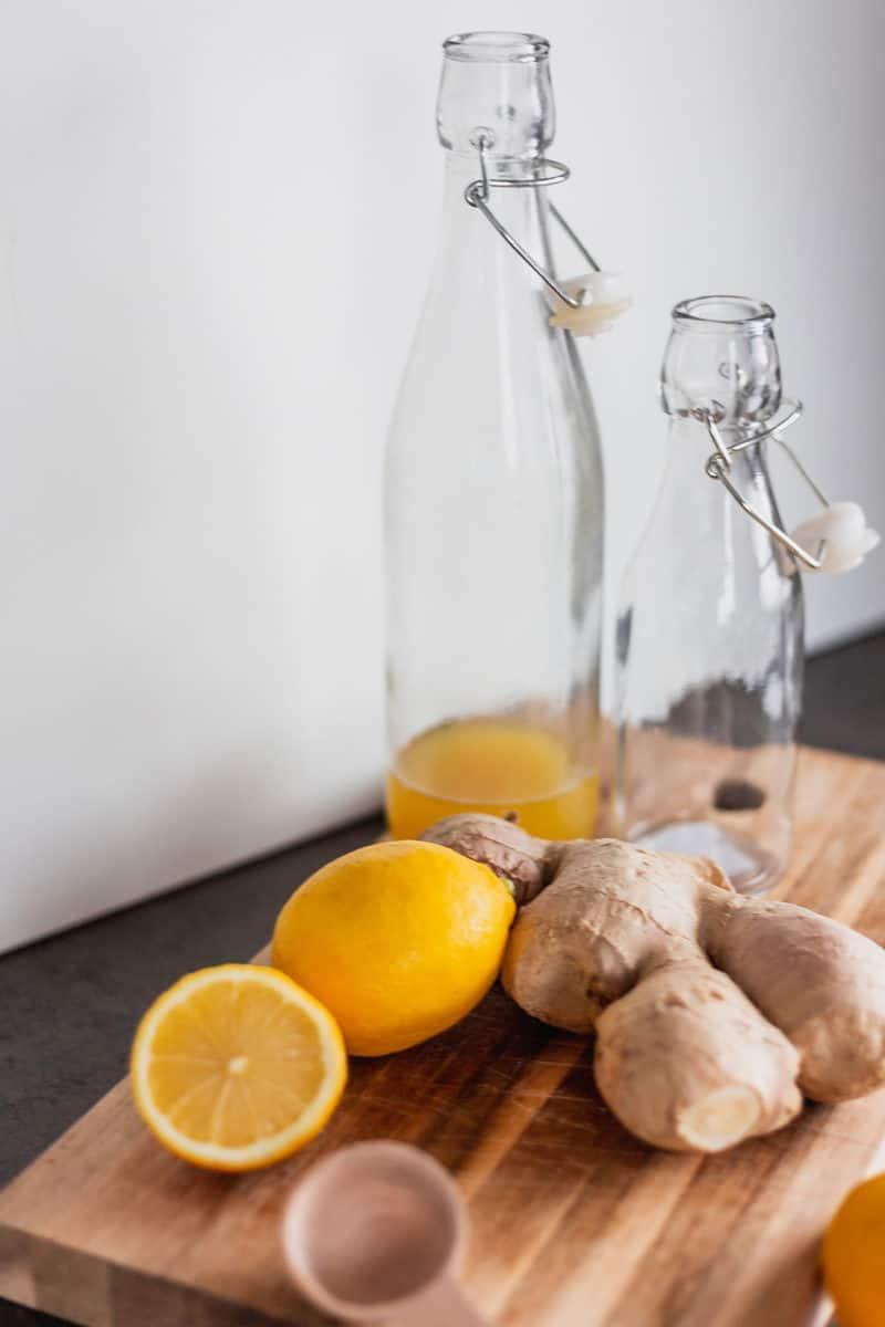 Rezept für Ingwer-Zitrone-Sirup - Zaubersaft gegen Erkältungen