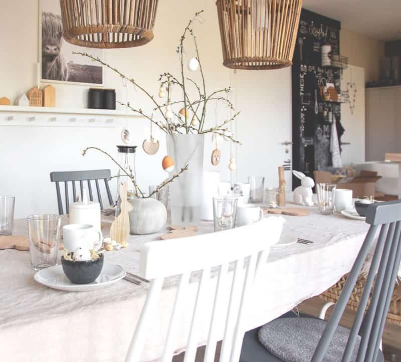 Osterdeko in weiß, creme und Holz