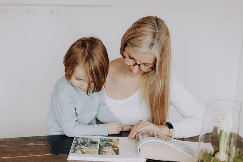Fotobuch gestalten – 13 Tipps für dein Jahrbuch in Bildern