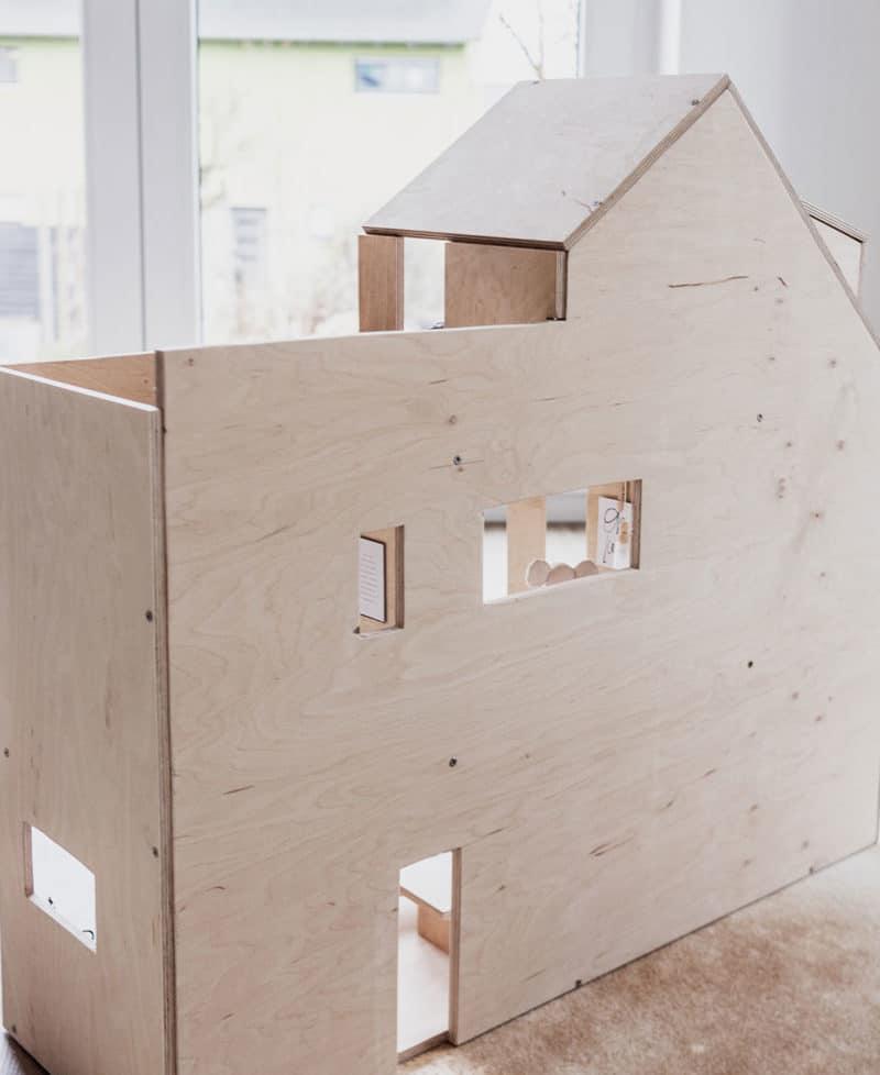 DIY Puppenhaus aus Holz selber bauen