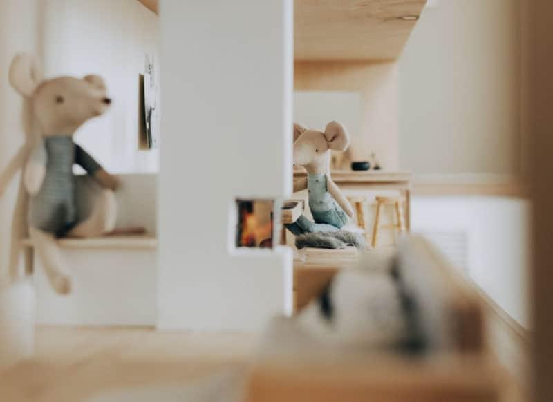Anleitung und Bauplan für das DIY Puppenhaus