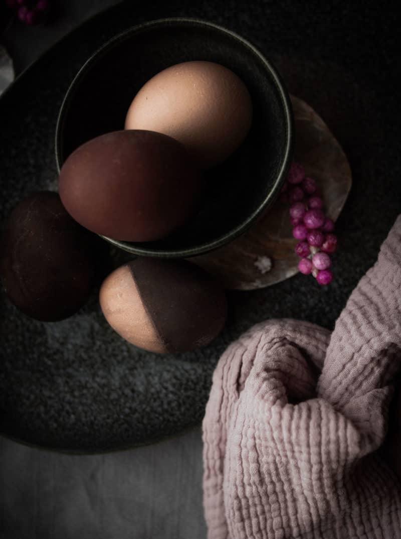 Ostereier natürlich färben mit Avocado