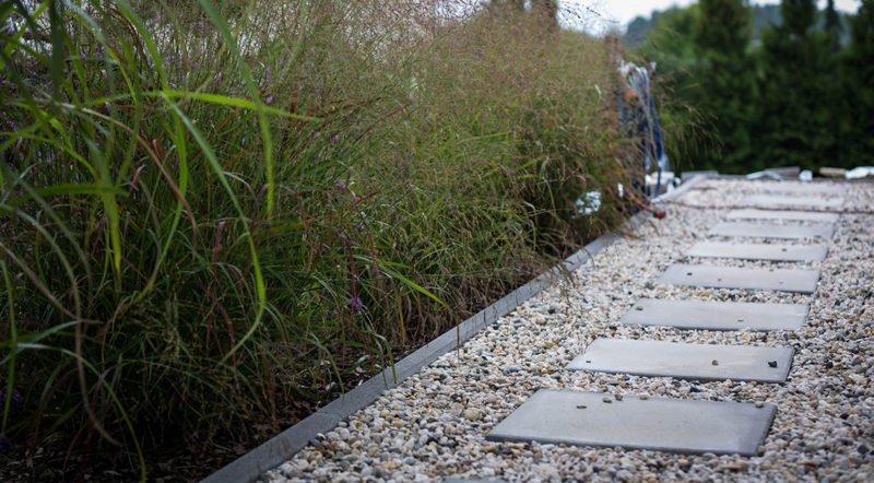 Moderne Gartengestaltung mit Gräsern