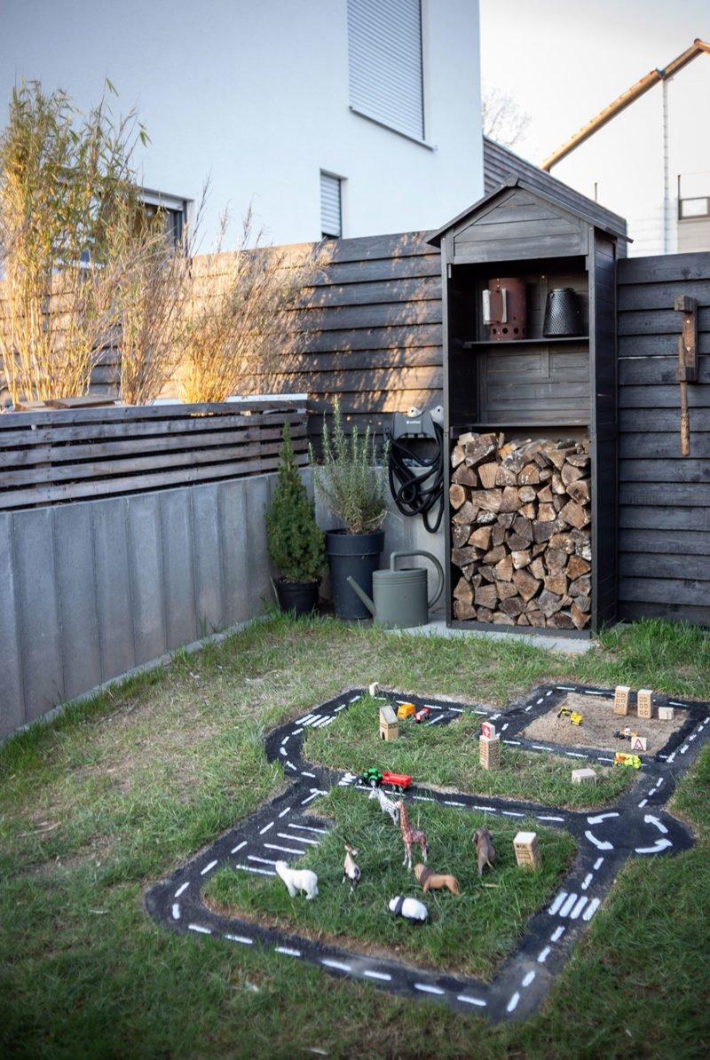 Moderne Gartenplanung: Kinderbereich mir DIY Spielstrassen. Eine einfache Anleitung.