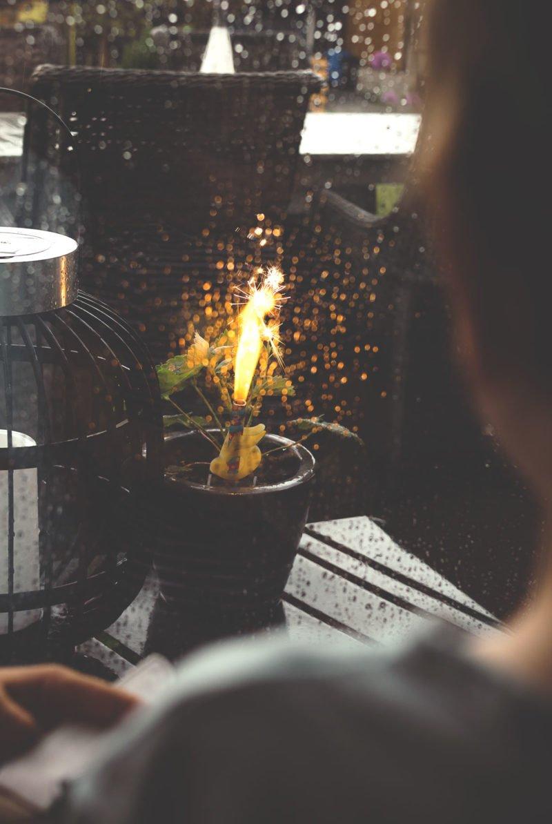 Kleines Feuerwerk zum Kindergeburtstag - Wunderkerzen oder eine Fontäne